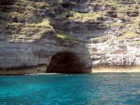 grotta perciata  - Lampedusa (6329 clic)
