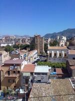Castello della Zisa Per otto anni, dal balcone di casa mia, ogni giorno questo spettacolo di storia