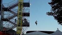 Un salto nel vuoto Niente paura,  una semplice divertente attrattiva della fiera del Mediterraneo  P