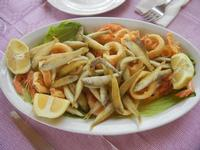 frittura mista di pesce - maccaruneddu, calamari e gamberi - Frutti di Mare da Giovanni - 2 settembre 2012  - Balestrate (2955 clic)