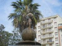 fontana con putto - 6 settembre 2012  - Sciacca (962 clic)