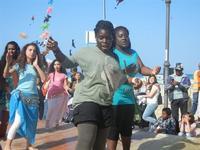 4° Festival Internazionale degli Aquiloni - I Soffi del Mondo, danze di differenti paesi a cura dell'Associazione Interculturale Narramondi Onlus - 24 maggio 2012  - San vito lo capo (201 clic)