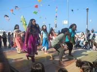 4° Festival Internazionale degli Aquiloni - I Soffi del Mondo, danze di differenti paesi a cura dell'Associazione Interculturale Narramondi Onlus - 24 maggio 2012  - San vito lo capo (219 clic)