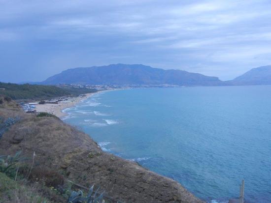panorama del Golfo di Castellammare dal Belvedere - BALESTRATE - inserita il 28-Jan-16