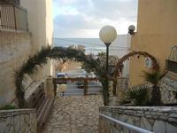 Primo Presepe artistico addobbi lungo il percorso - 8 gennaio 2012  - Marinella di selinunte (1364 clic)