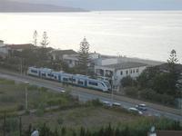 Zona Plaja - passa il treno - 16 agosto 2012  - Alcamo marina (228 clic)