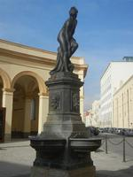 Fontana di Venere Anadiomene in Piazza Mercato del Pesce - 13 maggio 2012  - Trapani (1624 clic)