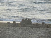Spiaggia Plaja - castello di sabbia in riva al mare - 15 giugno 2012  - Castellammare del golfo (207 clic)