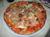 Pizza Quattro Gusti - La Lanterna - 22 aprile 2012  - Alcamo marina (1408 clic)