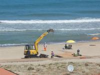 Zona Plaja - lavori in corso per la passerella sulla spiaggia - 31 luglio 2012  - Alcamo marina (1683 clic)
