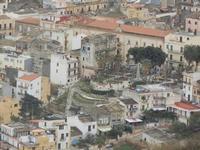 panorama dal Belvedere - centro storico - villa e palazzo comunale - 12 febbraio 2012  - Castellammare del golfo (385 clic)