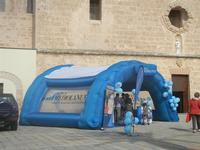 4° Festival Internazionale degli Aquiloni - stand banca in Piazza Santuario - 24 maggio 2012  - San vito lo capo (241 clic)
