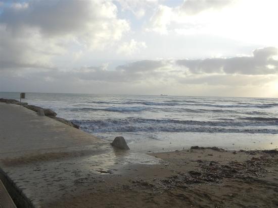 il mare al tramonto - MARINELLA DI SELINUNTE - inserita il 12-Mar-14