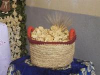 mostra Borgesi di San Giuseppe - altare e pani - particolare - 22 aprile 2012  - Calatafimi segesta (420 clic)