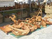 manufatti in legno d'ulivo al Belvedere - 15 agosto 2012  - Castellammare del golfo (1304 clic)