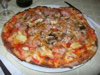 Pizza alla Contadina - La Lanterna - 7 giugno 2012  - Alcamo marina (1255 clic)