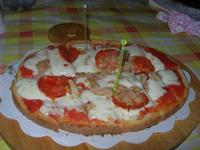 Bruschetta Stammi Lontano - passata di pomodoro, mozzarella, tonno e salamino piccante - La Piazzetta - 22 giugno 2012  - Balestrate (893 clic)