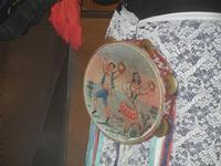 SIKANIA - Compagnia di canto e musica popolare - Giuseppina Priolo (tamburello e voce solista) - particolare - Bosco di Scorace - Il Contadino - 13 maggio 2012  - Buseto palizzolo (302 clic)