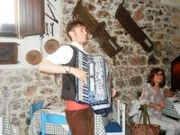 SIKANIA - Compagnia di canto e musica popolare - Michele Ditta (fisarmonica) - Bosco di Scorace - Il Contadino - 13 maggio 2012  - Buseto palizzolo (353 clic)