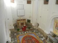 Tappeto Artistico in segatura colorata, sale e sabbia bianca 4,2 m X 6,20 m - Chiesa SS. Trinità - 22 aprile 2012  - Calatafimi segesta (481 clic)