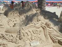 castelli di sabbia - sculture sulla sabbia di Iannini Antonio, scultore napoletano sanvitese - 18 agosto 2012  - San vito lo capo (217 clic)