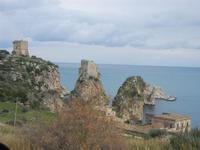 torri di avvistamento, faraglioni e tonnara - 12 febbraio 2012  - Scopello (897 clic)