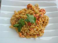 busiate con uova di pesce San Pietro - pomodorini e gamberi - La Cambusa - 6 maggio 2012  - Castellammare del golfo (1142 clic)