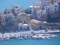 case sul porto dal Belvedere - 27 agosto 2012  - Castellammare del golfo (877 clic)