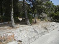 panchine in pietra nel giardino del Balio - 5 agosto 2012  - Erice (450 clic)