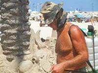 castelli di sabbia - sculture sulla sabbia di Iannini Antonio, scultore napoletano sanvitese - 18 agosto 2012  - San vito lo capo (233 clic)