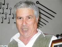 SIKANIA - Compagnia di canto e musica popolare - Santo Arceri (chitarra percussioni e voce) - Bosco di Scorace - Il Contadino - 13 maggio 2012  - Buseto palizzolo (825 clic)