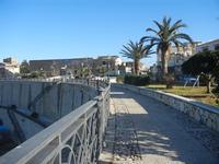 Piazza Petrolo 13 gennaio 2012  - Castellammare del golfo (520 clic)