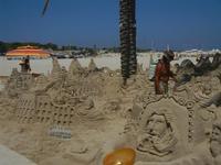 castelli di sabbia - sculture sulla sabbia di Iannini Antonio, scultore napoletano sanvitese - 18 agosto 2012  - San vito lo capo (468 clic)