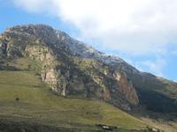 una spruzzata di neve sul Monte Inici - 14 febbraio 2012  - Castellammare del golfo (522 clic)