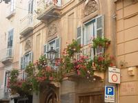 balconi fioriti in via della Cuba - 13 maggio 2012  - Trapani (1129 clic)