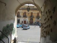 Cortile Carini - Laboratorio di Cocci per bambini - particolare - 6 settembre 2012  - Sciacca (1433 clic)