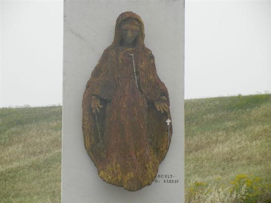 monumento dedicato alle vittime del terremoto del 1968 - SALAPARUTA - inserita il 19-Jan-15