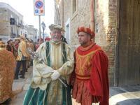 Corteo Rievocazione Storica dell'investitura a 1° Principe della Città di Carlo d'Aragona e Tagliavia - 26 maggio 2012  - Castelvetrano (277 clic)
