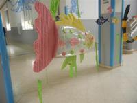 acquario realizzato con materiale riciclato presso la Scuola Primaria Luigi Pirandello - 20 maggio 2012  - Alcamo (281 clic)