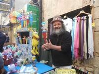 inventore di giocattoli - 25 aprile 2012  - Erice (2198 clic)