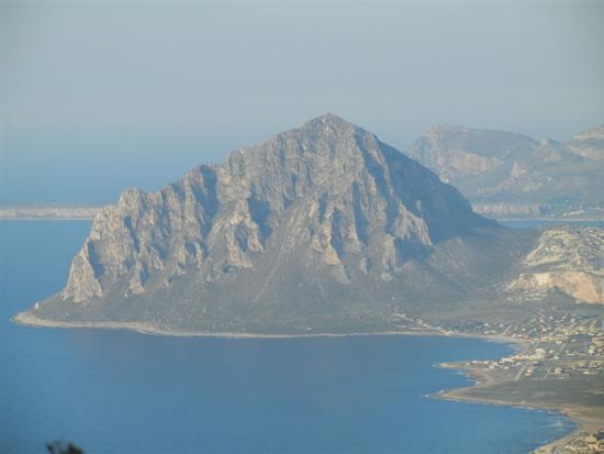 Golfo di Bonagia, Monte Cofano e Capo San Vito - ERICE - inserita il 30-May-14