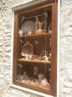 ceramiche in vetrina - 5 agosto 2012  - Erice (332 clic)