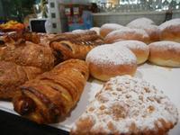 cassatella, iris al forno e paste - Enny - 13 settembre 2012  - Alcamo (464 clic)