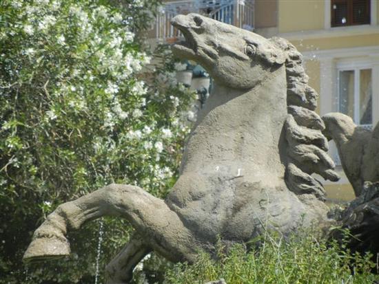 Fontana del Tritone - particolare - TRAPANI - inserita il 05-Mar-15