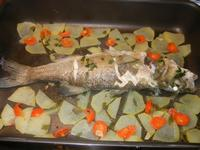 spigola al forno con patate - 17 febbraio 2012  - Alcamo (839 clic)