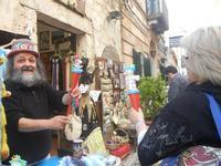 inventore di giocattoli - 25 aprile 2012  - Erice (1269 clic)