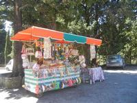 Santuario Madonna del Romitello - bancarella frutta secca e giocattoli - 9 maggio 2012  - Borgetto (3009 clic)