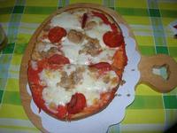 Bruschetta Stammi Lontano - bruschetta, passata di pomodoro, mozzarella, tonno e salamino piccante - La Piazzetta - 3 agosto 2012  - Balestrate (683 clic)
