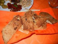 pane pizza ed antipasto rustico                                                        - Li Macaseni - 8 settembre 2012  - Balata di baida (901 clic)