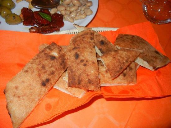 pane pizza ed antipasto rustico                                                        - BALATA DI BAIDA - inserita il 06-Jun-16